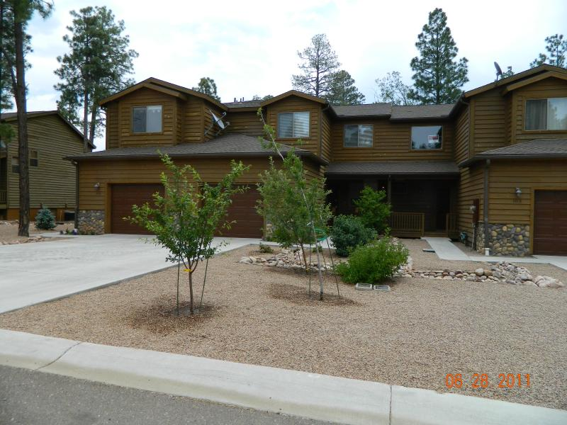 Townhouse Entrance - Luxury Townhouse in the Pines - Pinetop - rentals