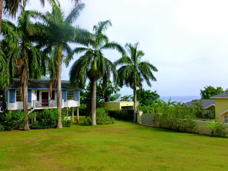 Two Bedrooms & Two Bathrooms - Unparalleled Relaxation by the Caribbean Sea. - Boscobel - rentals