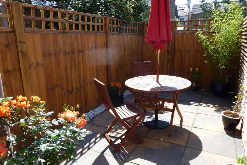 Darwin Patio Garden - Ground Floor 1 Bed Flat Close to South Ealing Tube - London - rentals