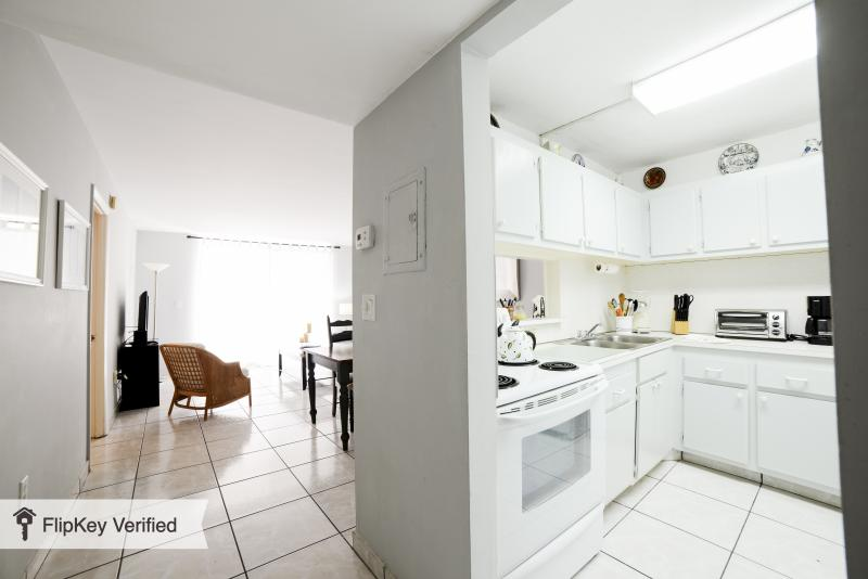 South Beach Vacation Rental, right on the beach - Image 1 - Miami Beach - rentals