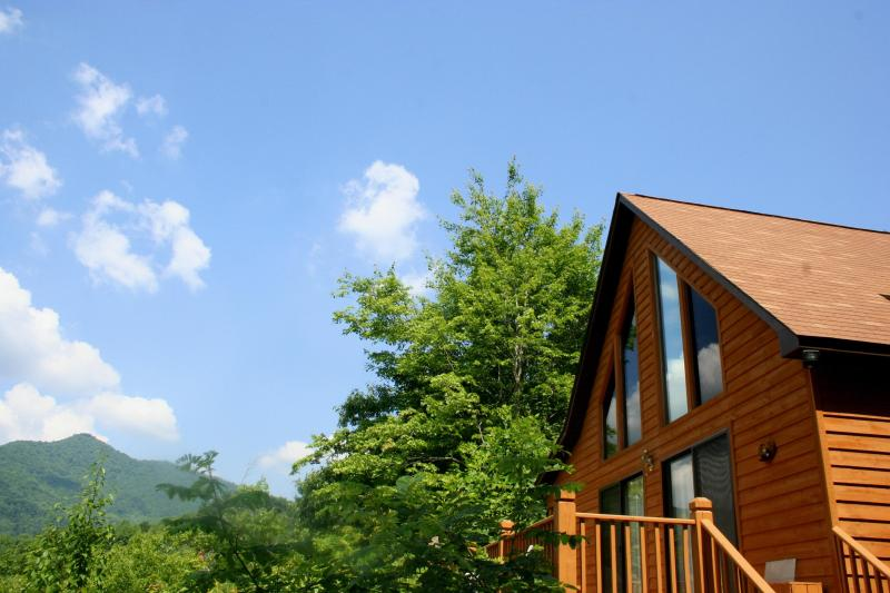 Sit on the deck and enjoy the fantastic view from your own private cabin. - Great View, Private, and Near it all - Bryson City - rentals