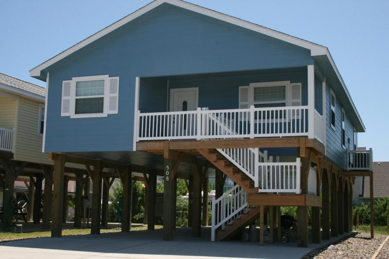 Brand New Home, priced to rent so book today! 508 - Image 1 - Port Aransas - rentals