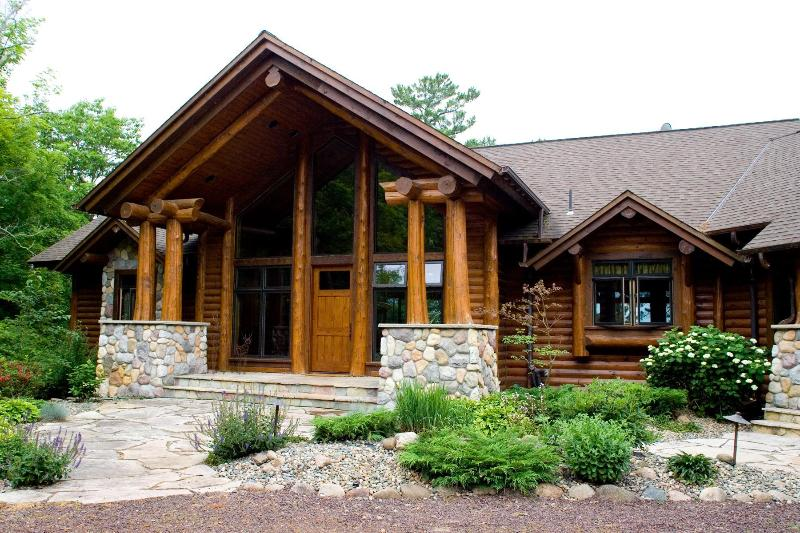 Blackwater Lodge - Blackwater Lodge Reunion Family Log Cabin - Longville - rentals