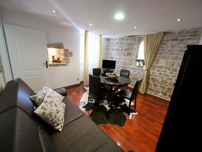 Emperors Retreat for Your Majestic Stay in Split! - Image 1 - Split - rentals