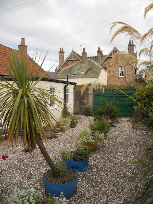 Back garden - The Neuk, Crail, Fife, Scotland, UK - Crail - rentals