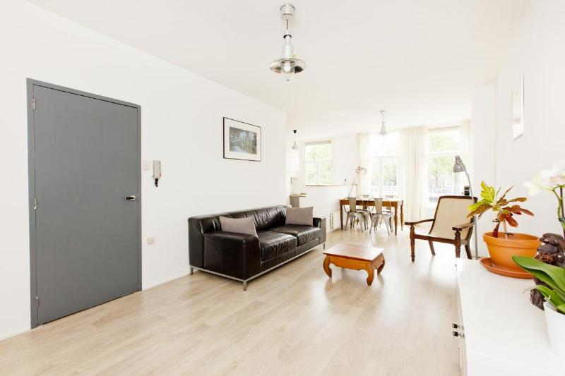 The Feel Good Apartment in Amsterdam - Image 1 - Amsterdam - rentals