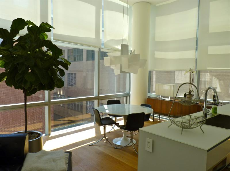 Dining area - Tribeca/Soho 2BR/2BA Luxury Suite w/ outdoor pool! - New York City - rentals