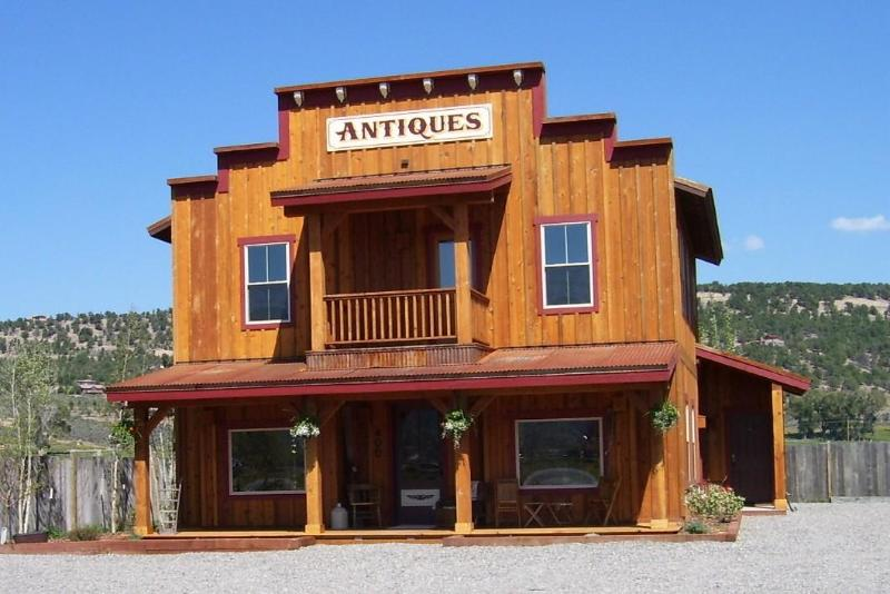 Cow Creek Suite occupies the entire 2nd floor of this 1880s style building at the edge of town. - Quiet Comfort, Privacy, Decks, Mountains, Meadows! - Ridgway - rentals