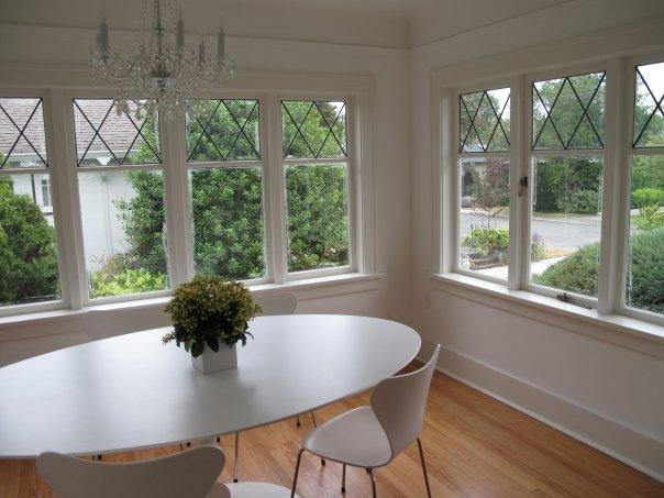dining room - Chic Beachside Home in Oak Bay - Victoria - rentals