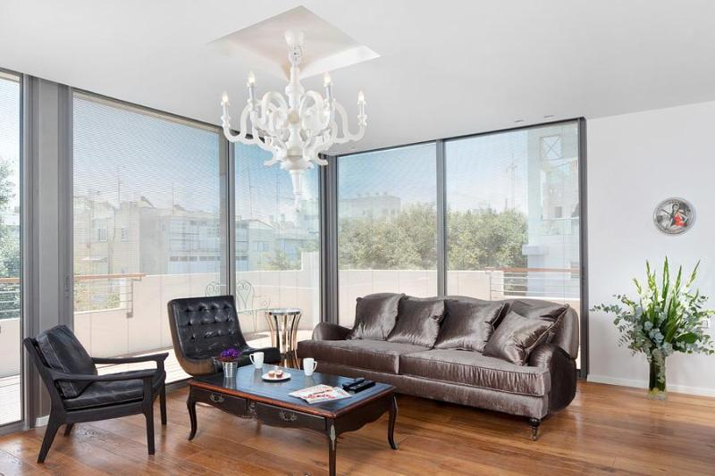 Relax in the Spacious Lounge Room - Be Our Special Guest at the Jean Jaures Penthouse - Tel Aviv - rentals