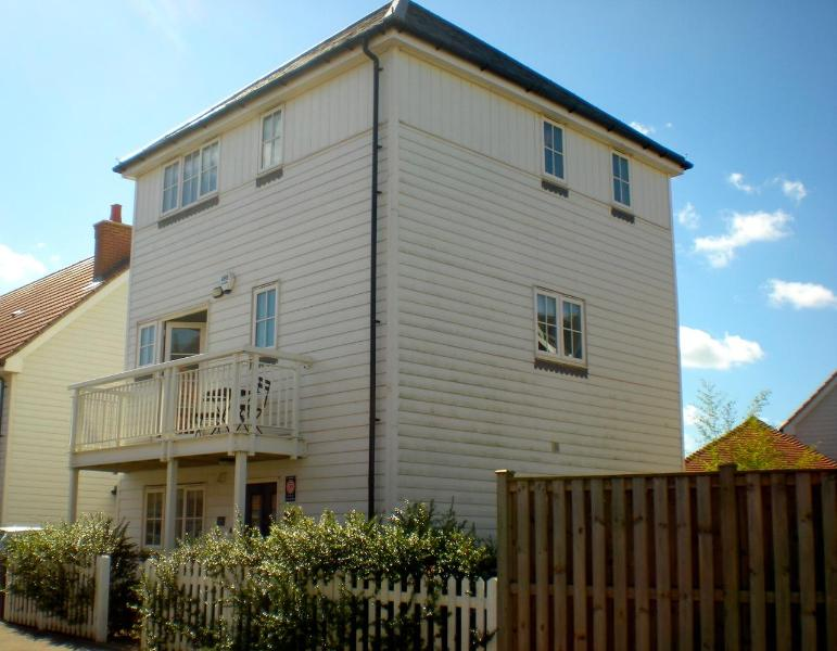 The Salty Dog holiday cottage is close to the beach at Camber Sands - The Salty Dog, Camber Sands, Rye - Camber - rentals