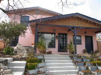 The bright and airy vacation home is upstairs - Adorable, Comfortable & Clean 2 Bd Ashland Getaway - Ashland - rentals