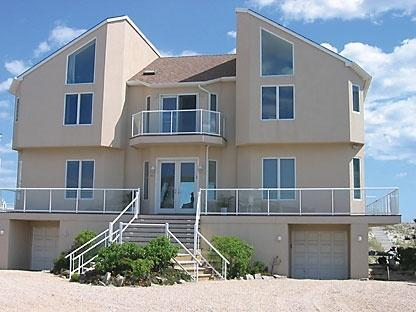 Front of House - Luxury Oceanfront Beach House - Westhampton Beach - rentals