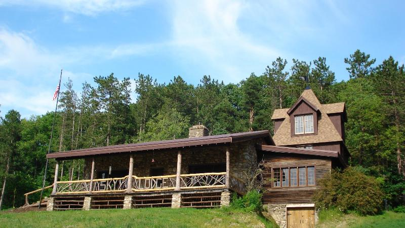 Late spring - Sky Lodge(The Perfect Country Retreat) - Finger Lakes - rentals