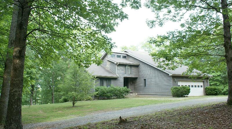 Spacious 3 Level-4 Bedroom-3 Bath Country Villa - Blue Ridge Mountain Paradise on 20 Private Acres - Blairsville - rentals