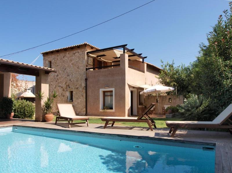 Maleme Villa with Turkish bath and pool house - Image 1 - Chania - rentals