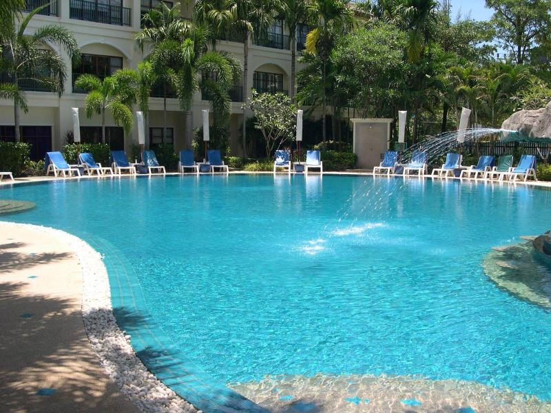 Beautiful Resort, near to Bang Tao Beach - 5km of golden sand - 2 Bed, West Coast, Phuket, Thailand, by Beach - Bang Tao - rentals