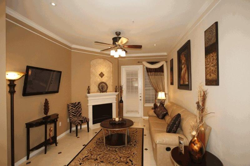 Living room 13304 - Luxury  Apartments Fully Furnished  $95 per day - Houston - rentals