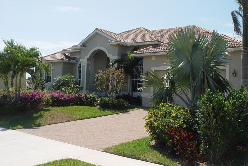Our waterfront home is quiet and luxurious. - Waterfront Vacation Home Near Beach Quiet Location - Marco Island - rentals