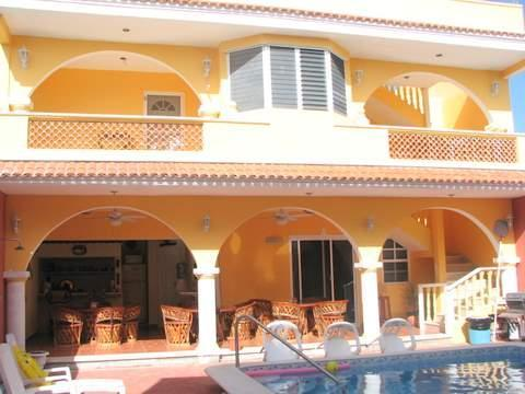 Communal Kitchen and seating area with bbq - Casa Sol Mar...One block from the Ocean... - Progreso - rentals