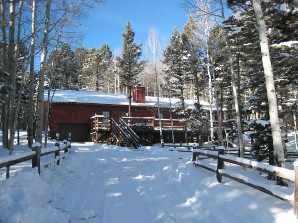 Front in winter - 4 BR+/3 BA Home Nestled in the Aspen, Sleeps 15 - Angel Fire - rentals