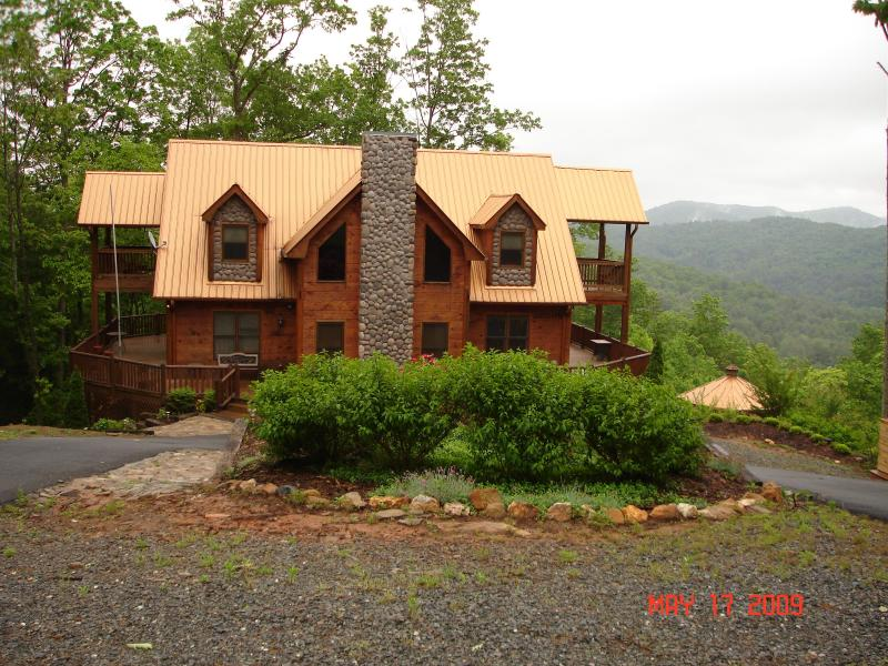 Summer In The Clouds - COPPERTOP CABIN - LUXURY & VIEWS - Dog Friendly - Blue Ridge - rentals