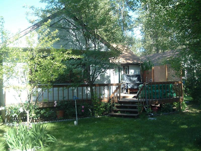 Great comfy home very close to the park gates! - Image 1 - West Glacier - rentals
