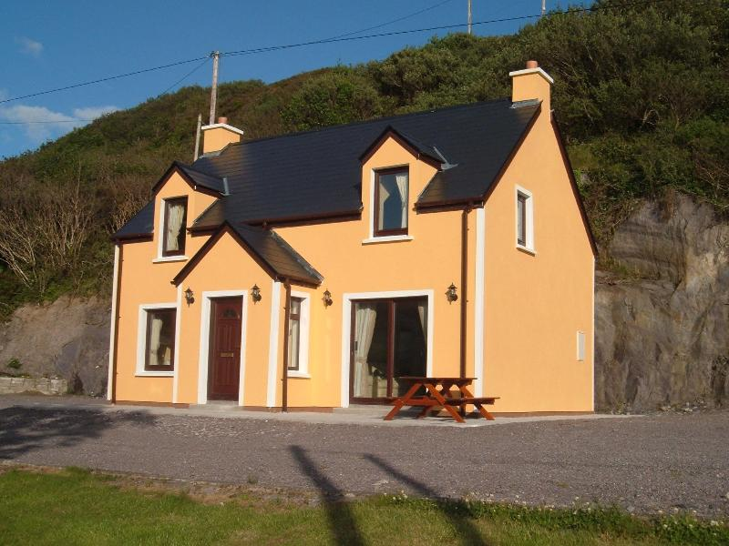 Firtreecottage - Image 1 - Caherdaniel - rentals