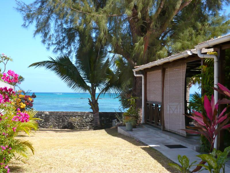 Entrance terrace / Eingang zur Terrasse - Grand Baie, Beach House for the whole family - Grand Baie - rentals