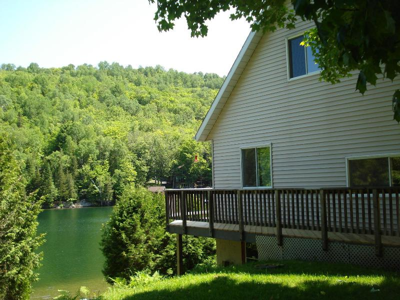 3BR Waterfront Chalet on Mont Tremblant - Image 1 - Mont Tremblant - rentals