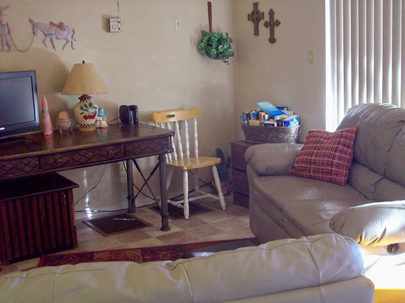 living room - View of the Superstitions in Apache Junction, AZ - Apache Junction - rentals