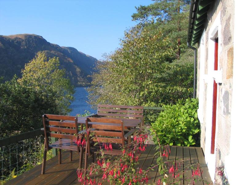 Summers day at Railway Cottage - Railway Cottage beside beautiful Loch Awe, Argyll - Loch Awe - rentals