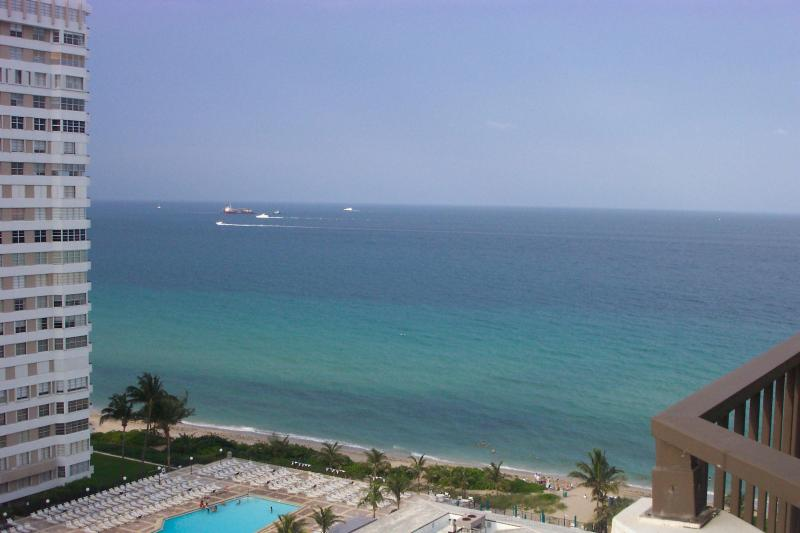 View torwards the Beach & Pool Area - Oceanfront....!!!Simply on the Beach!!! - Hallandale - rentals
