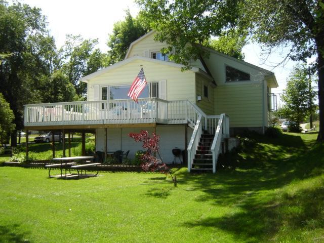 Great Views Great Family Memories Great Lake - Image 1 - Traverse City - rentals