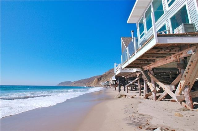 View looking west on the beach - Beautiful Malibu Beach House on private beach - Malibu - rentals