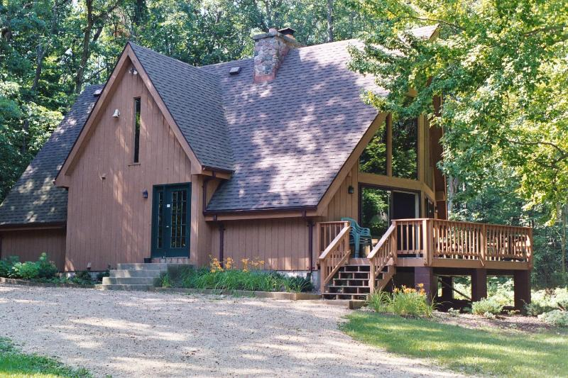 MAIN HOUSE SLEEPS 11 - Beautiful Country Estate on 35 Acres, Sleeps 20 - Wisconsin Dells - rentals