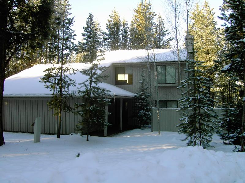 Come on in...it\'s warm inside - Tan Oak Retreat - Free SHARC Aquatic Passes - Sunriver - rentals