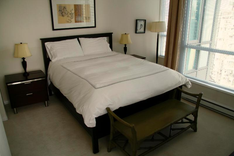 Master Bedroom - Classico Coal Harbour 3 Bedroom - Vancouver - rentals