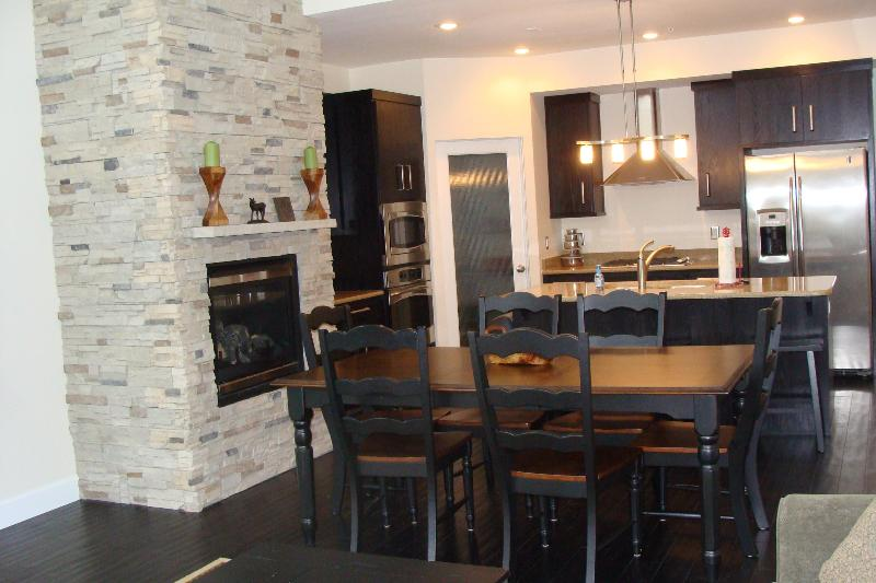 Large Luxury Condo-Walk to the Slopes-Ski Free - Image 1 - Brian Head - rentals