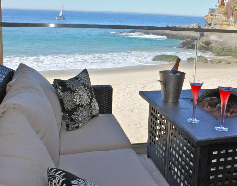 Fire Pit, Cocktails, Sailing Boat, pure PARADISE! - Stunning Front Row, on the Sand at Laguna Lido - Laguna Beach - rentals