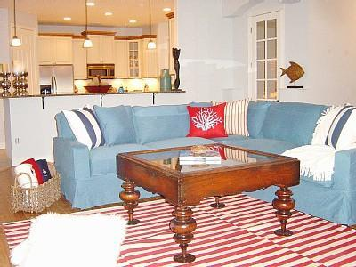 Lovely open living area great for relaxing - Executive **LUXURY** Family Home, 5/6 rooms POOL - Vero Beach - rentals