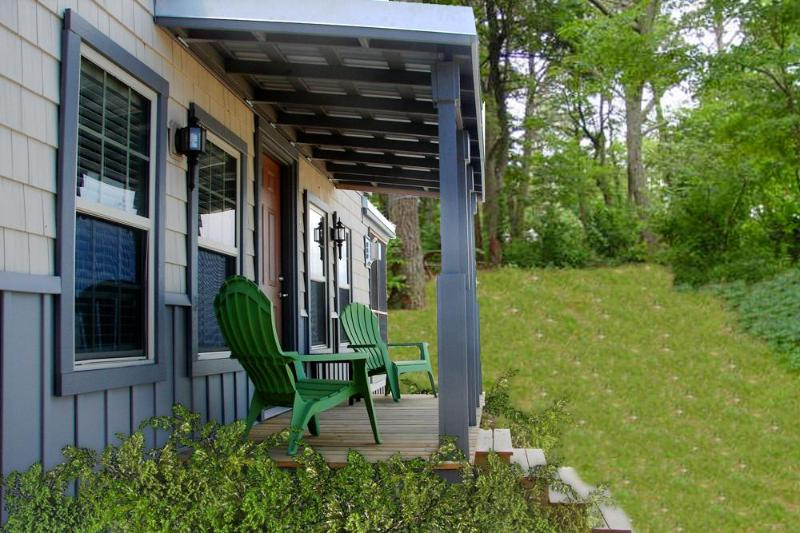 Exterior of the cottage - Charming Cottage on a Private Lake in Cape Cod! - Sandwich - rentals