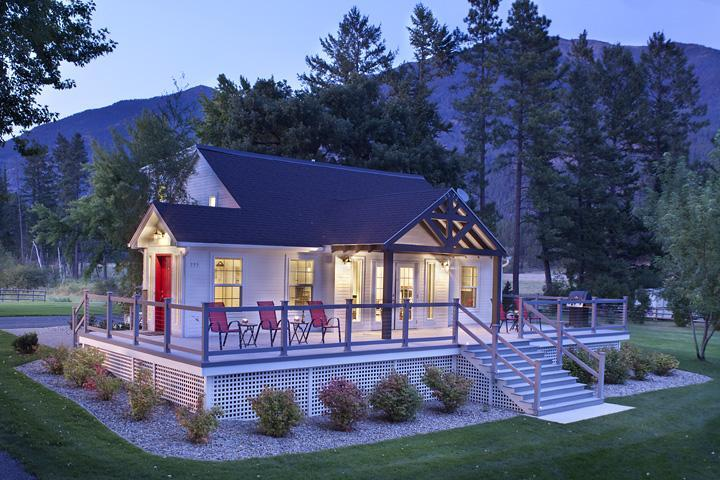 """Premier lake House Picture yourself here! - Glacier Country Montana """"True Montana Experience"""" - Kalispell - rentals"""