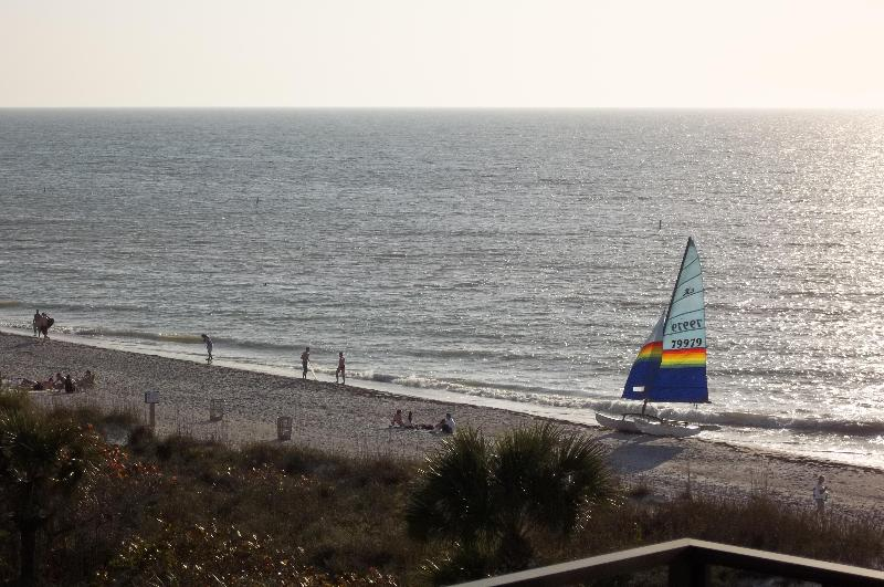 view from living room balcony - Direct Gulf Front with awesome beach view - Indian Rocks Beach - rentals