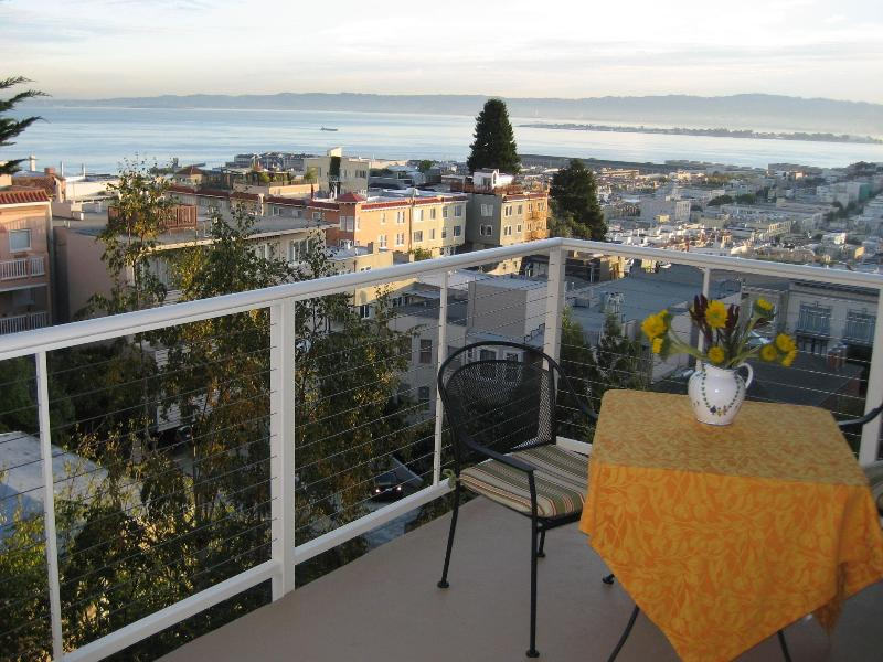 Spectacular Views from the covered balcony of SF Bay - Russian Hilltop - Bay View, Quiet, Free Parking - San Francisco - rentals