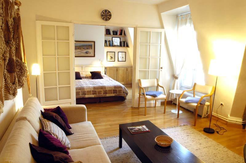 Living room - 1 bedroom Latin quarter apartment - sleeps 4 - 6th Arrondissement Luxembourg - rentals