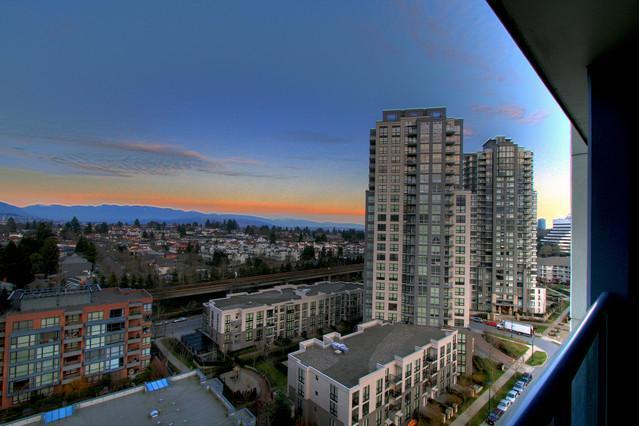 Elegant Furnished  Condo  Near Downtown  20% OFF - Image 1 - Vancouver - rentals