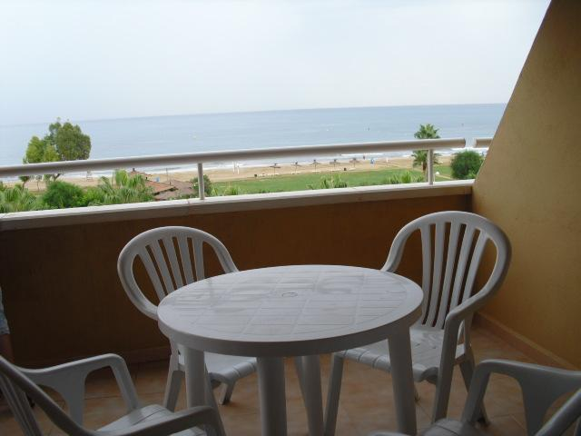 Views from balcony of the apartment front the beach - Beach apartment 4 people Marina Dor Oropesa Spain - Oropesa Del Mar - rentals