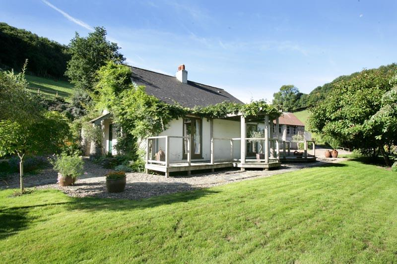 View of Cottage - 2 Bedroom 2 Bathroom Cottage near Dittisham - Dittisham - rentals