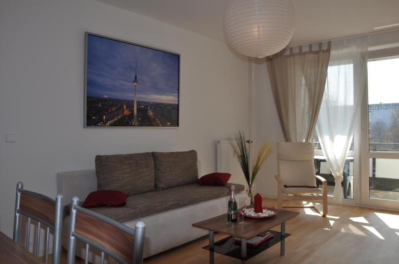 Living Room 1 - A comfortable Apartment in the Center of Berlin - Berlin - rentals